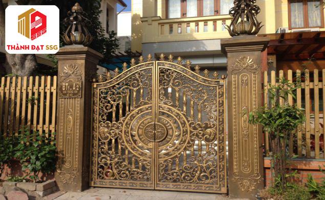 phong thủy xây cổng nhà;