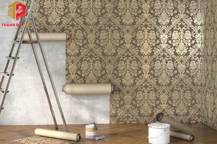 Thay đổi tường bằng giấy dán tường hoặc vải treo tường
